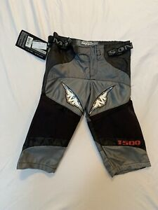 Mission 1500 Roller Hockey Pants Junior X-Small Grey And Black