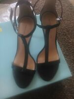 Antonio Melani Size 6.5M AUDREY Black Leather T-Strap stunnin Sandals  pre-owned