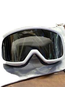 * Smith Optics Womens Riot Goggle White Vapor Chromapop Sun Platinum Mirror