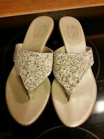 Talbots Women's Sz 7/37.5 Gold Sandals beaded flip flop kitten heel leather