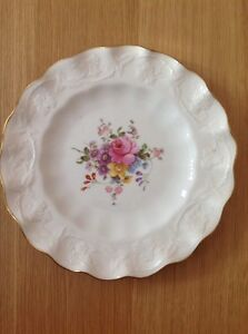 ROYAL CROWN DERBY 'Scalloped Posie' Plate.  22cm Excellent Condition. c1942