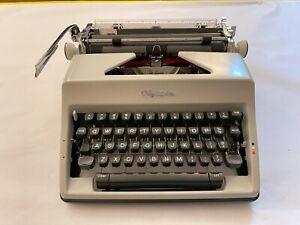 1968 Olympia SM-9 Typewriter — Very Clean SM9 Works Perfectly — w/ Typing Sample