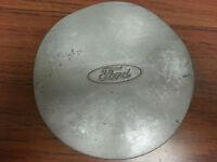 96-99 Ford Taurus center cap 560-3179