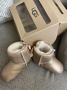 UGG Australia - Baby Jesse Bow II Metallic Boot - Size 0/1 - Gold/Pink - New