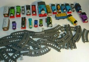THOMAS THE TANK ENGINE TRAIN LOT DIECAST MAGNETIC TOMY TRACKS LOT Of 45+ PIECES