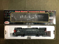 Atlas Master HO Dash 8-40B Cotton Belt 8076 with DCC & Powered (9020)
