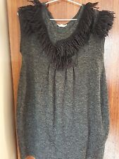 Stunning SOO sleeveless knit top with fringed neckline (size large)