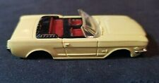 Aurora #1371 Ford Mustang Convertible 1964 1/2/Yellow