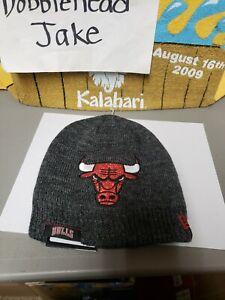 NWT 2017 NBA CHICAGO BULLS NEW ERA CAP HAT KNIT SKULL BEANIE WOMEN