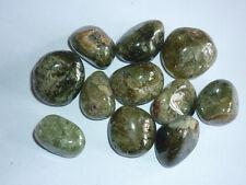 cristalloterapia GRANATO VERDE GROSSULARIA pietra preziosa cristallo minerale
