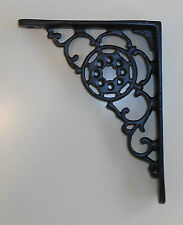 BLACK ORNATE CORNER BRACKET - SMALL  (135 x 170mm)