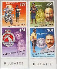 PAPUA NEUGUINEA NEW GUINEA 1988 567-70 691-94 Police Force Polizei Uniforms MNH