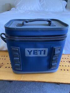 Yeti Hopper Flip 8 Soft Cooler - Navy Blue