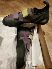 New in box - Black Diamond Momentum Climbing Shoes size 9.5 - Slate