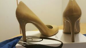 """NINE WEST """"CARESS"""" TAUPE PATENT leather HEELS CLASSIC PUMPS SHOES 10 US 42 EURO"""