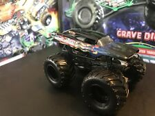 Hot Wheels Monster Jam Truck 1/64 Metal Base Rare Cardiac Arrest