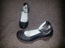 EL NATURALISTA -Black Leather Pumps-Ankle Strap-Leaf Detail-Sz39-8.5US-Near Mint