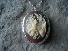 (LOCKET)- SISTERS - MOTHER AND DAUGHTER - FRIENDS - DOVE - CAMEO LOCKET!- GIFTS