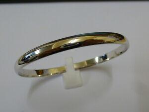 Stunning 9ct White Gold Plain Bangle - Fully hallmarked -