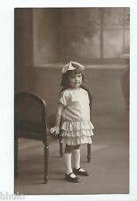 BM624 Carte Photo vintage card RPPC Enfant mode fashion  robe blanche