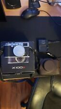 Fujifilm X100s Silver. (WITH 3 BATTERIES, CHARGER, AND CASE + EXTRAS)