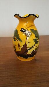 Vase jaune décor provence/cigale marqué Giens