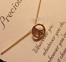 Petite Retro collar de paz encanto pendiente Chapado en Oro