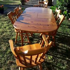 EXTENDABLE OVAL SOLID PINE DINING TABLE WITH 6 CHAIRS.USED