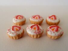 DOLLS HOUSE MINIATURE FOOD 1:12 6 X STRAWBERRY FROSTED CUPCAKES COMBINED P+P