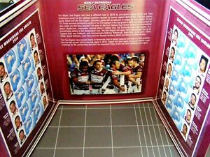 2010 NRL Many Warringah SEAS EAGLES Double Stamp Folder - Photo's, Stamps
