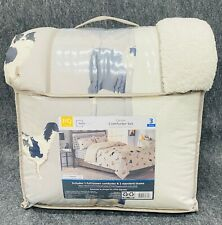 Mainstays Dog Cozy Flannel Reverse to Super Soft Sherpa Comforter Set,Full/Queen