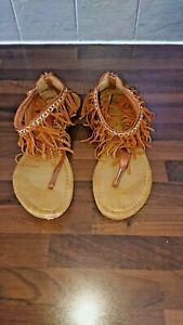ladies unbranded fringed toe sandals in tan used size uk 8