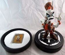 Disney Star Wars Daisy Duck as Aurra Sing Statue with Box & Pin