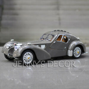 1:28 Diecast Vintage Car Model Bugatti Type 57 Pull Back Toy With Sound & Light