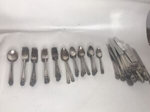 "1847 Rogers ""Eternally Yours"" Silverplated Flatware Set of 82 Pieces"