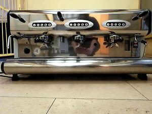 Espressomaschine La San Marco 85 E, 3-gruppig mit Kipphebelventile, Siebträger