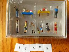 Preiser HO #10595 Pedestrians -- Flea Market pkg(9)
