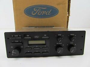 NOS OEM Ford F2AZ-18806-A Radio Stereo - 1992-1994 Ford Crown Victoria