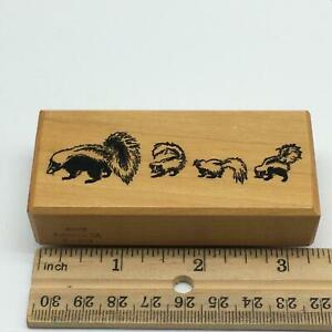 PSX Rubber Stamp F-204 Mama Skunk with 3 Babies