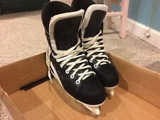 Mens ice hockey skates size 6, black, excellent condition