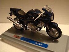 Triumph 955 I Sprint Rs Blue 1:18 Maisto