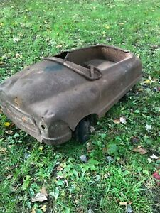 ORIG 1940's VERY HEAVY BMC FULL SIZE THUNDERBOLT PEDAL CAR  FOR YARD ART!!!