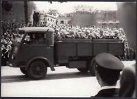 YZ3014 Roma - Festa Repubblica - Militari su Camion - Foto d'epoca - 1960 photo