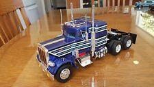 BUILT PETERBILT TRUCK 1/25TH SPECTACULAR BLUE PURPLE
