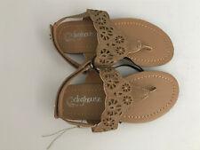 BNWT Little Girls Sz 12 Tan Rivers Doghouse Cut out pattern detail thongs Sandal