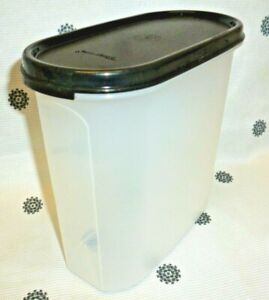 New Tupperware  Modular Mates Oval #3 with Black Plain Seal Storage 6 3/4 Cups