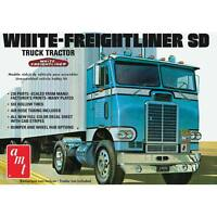 AMT White Freightliner Single Drive Tractor 1/25 truck model kit new 1004