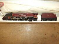 vintage Wrenn 00 gauge CITY OF LONDON locomotive looks like its never been run