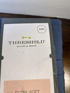 Threshold- King, 300 Thread Count, Ultra Soft Flat Sheet. Metallic Blue