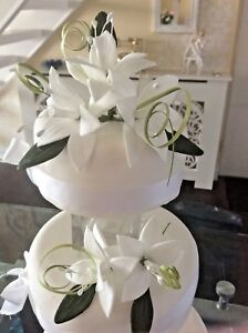 WEDDING CAKE X 2 SUGAR FLOWER STAR LILIES IN WHITE.      New